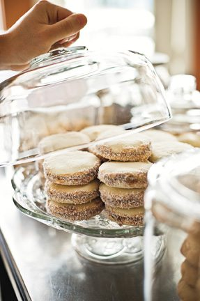 FROM THE PRINT EDITION: Shawna Wagman extols the virtues of the alfajor