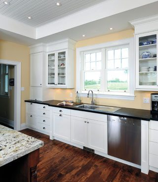 FROM THE PRINT EDITION: Designing a modern country kitchen near Westport