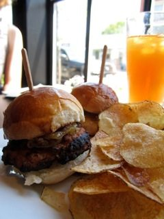 WEEKLY LUNCH PICK: Sliders at Hintonburg's new Alpha Soul Café