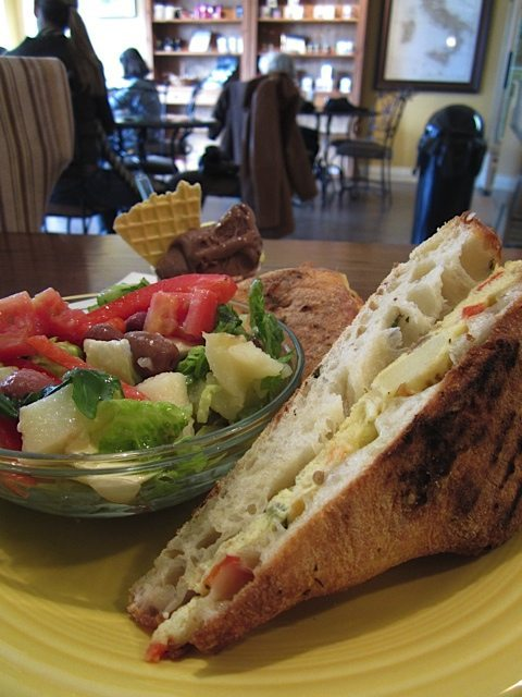 WEEKLY LUNCH PICK: Take a Roman holiday with Stella Luna's panini and gelato