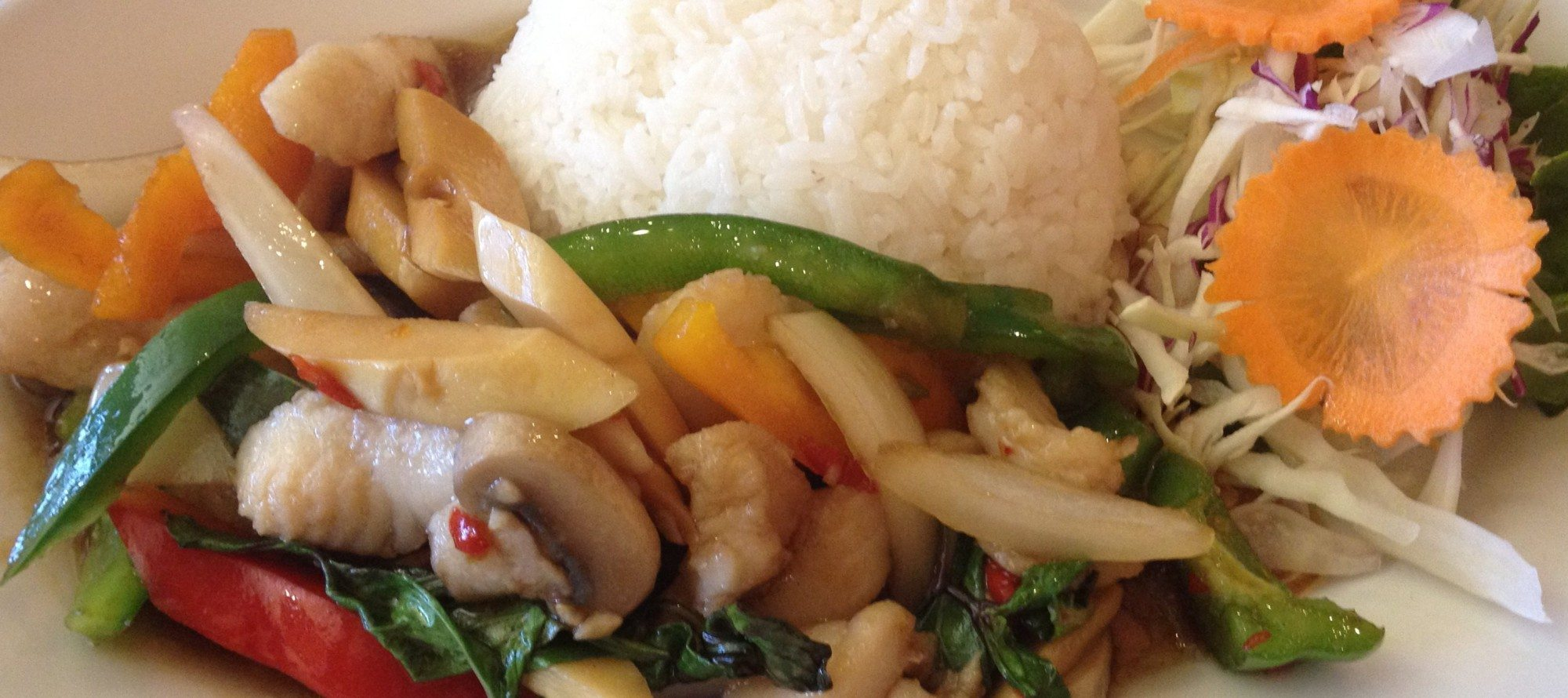 WEEKLY LUNCH PICK: Succumb to the lure of lemongrass at Pookie's Thai