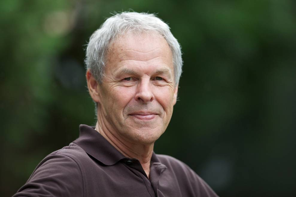 THE ARTFUL BLOGGER: Linden MacIntyre talks about Why Men Lie, and is asked about the biggest lie he ever told