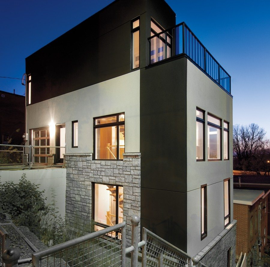 A HOUSE WE LOVE: A cliff-side dwelling in Chinatown… and on Lebreton Flats