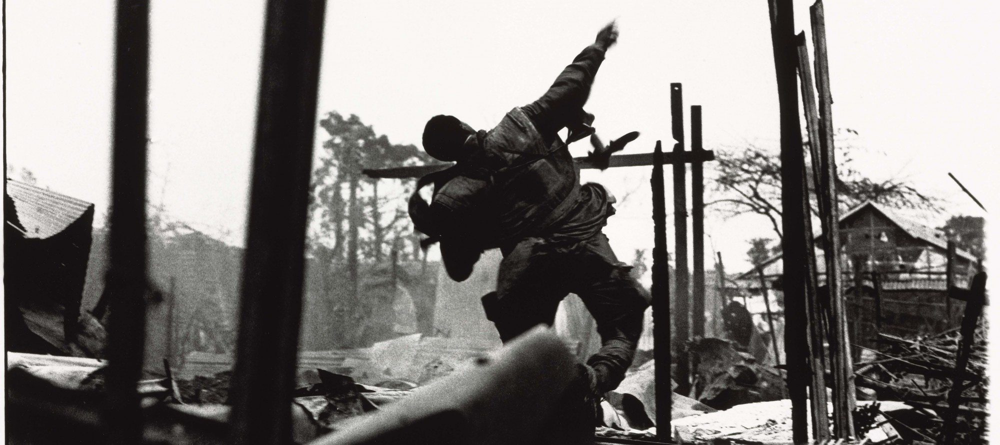 """ARTFUL BLOGGER: One of the leading war photographers of the 20th century exhibits his """"art"""" at the National Gallery"""