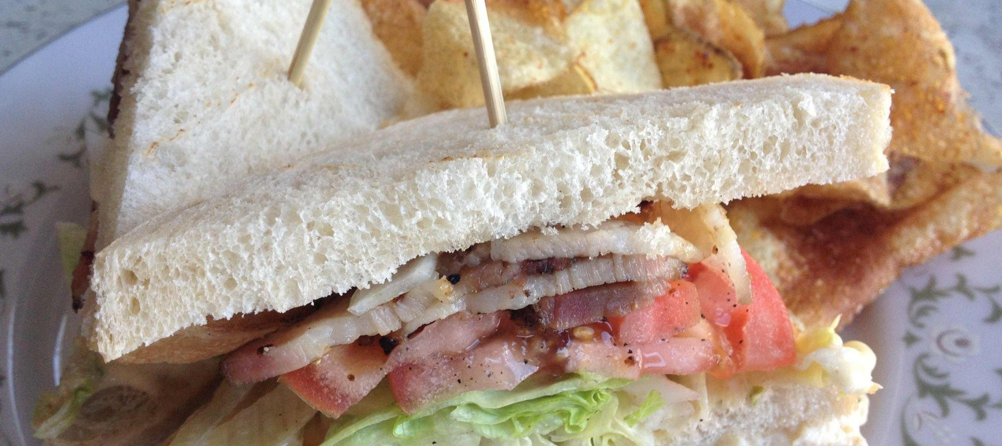 WEEKLY LUNCH PICK: A delightful club sandwich at Hintonburg Public House (shame about the price)