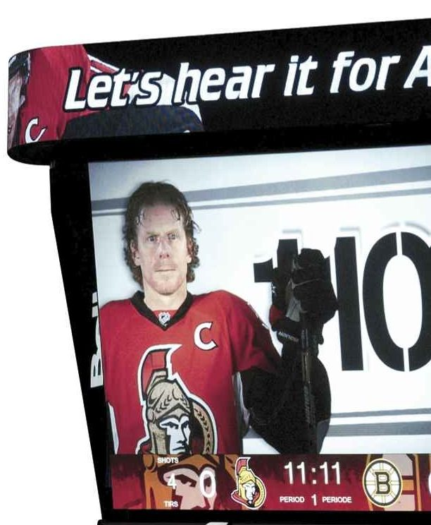 COUNTDOWN TO THE RETURN OF ALFIE (today!): 11 essays on #11 (essay #11 — Daniel Alfredsson as chant)