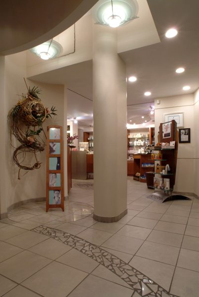 SHOP TALK: Lifeline Skin Care at Holtz Spa