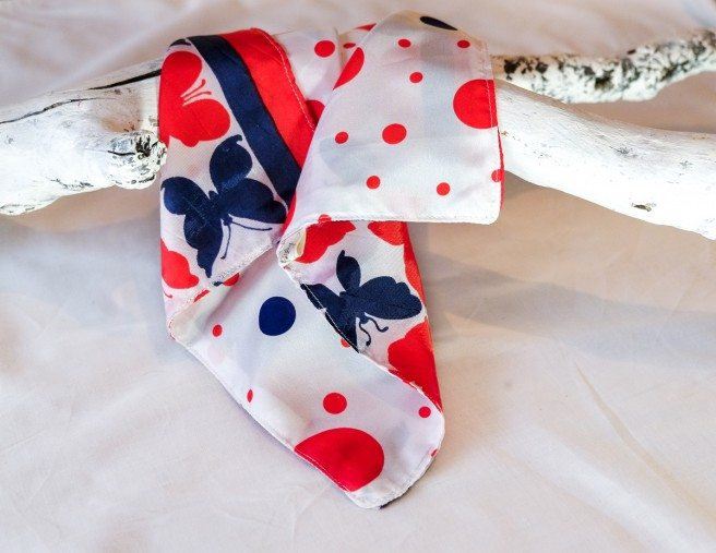 This pocket square would