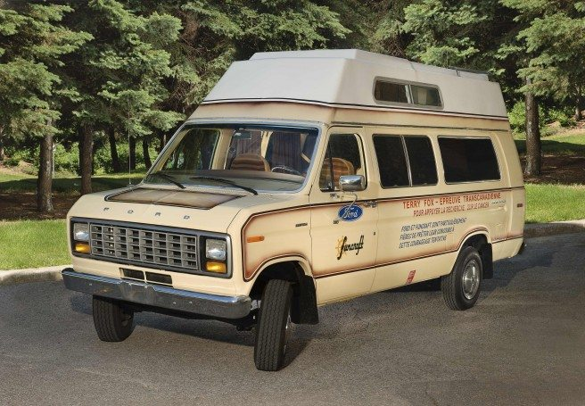 The Marathon of Hope van provided Terry and his companions with more than transport. It serves as bedroom, office, billboard, mileage calculator, equipment locker, clothes hamper, kitchen, warehouse, washroom, windbreak, jukebox, and fortress of solitude. © Canadian Museum of History