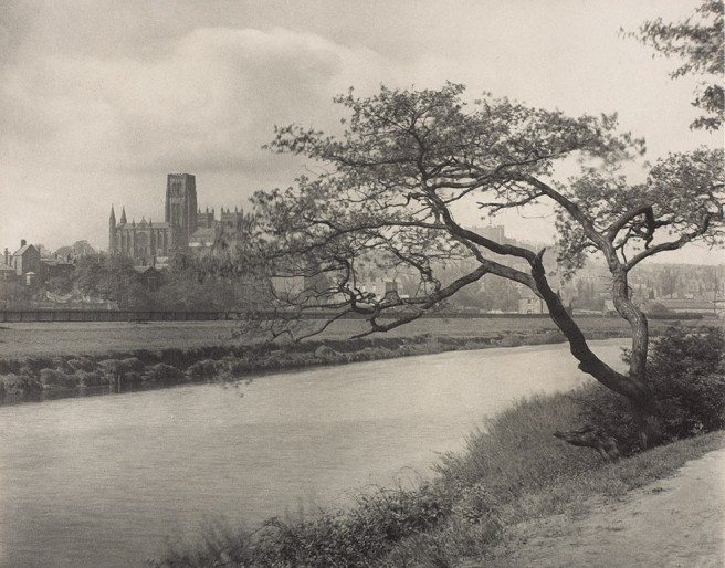 Frederick H. Evans<br /> Durham Cathedral from the Wear, c. 1896-1910<br /> platinum print, 18.9 × 23.9 cm.<br /> National Gallery of Canada, Ottawa<br /> Photo © NGC
