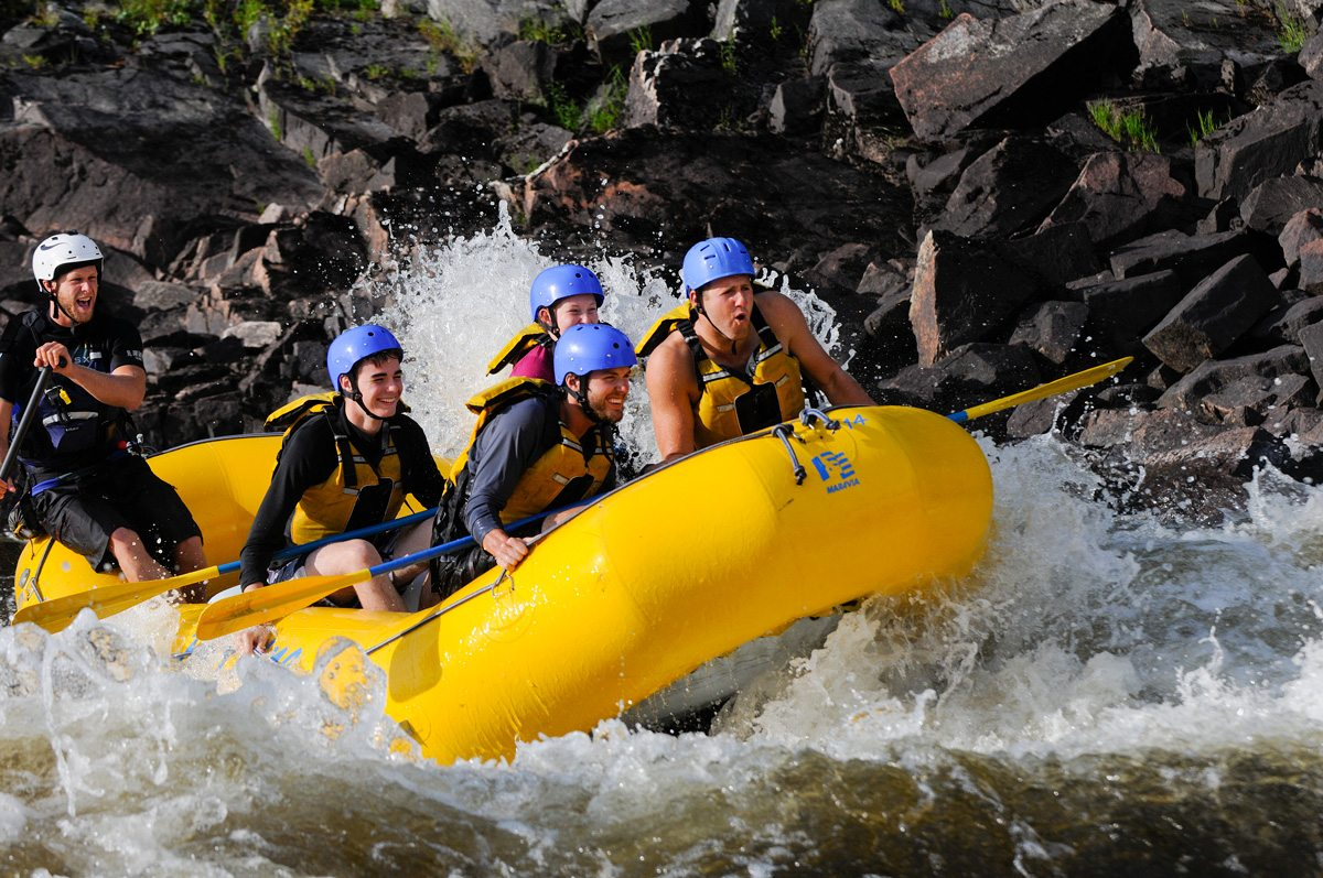 DAYTRIPPER: Rafting at Foresters Falls