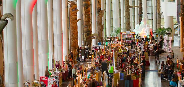 HEADS UP – Impact HUB turns 3 & the Christmas Market opens at the Museum of History