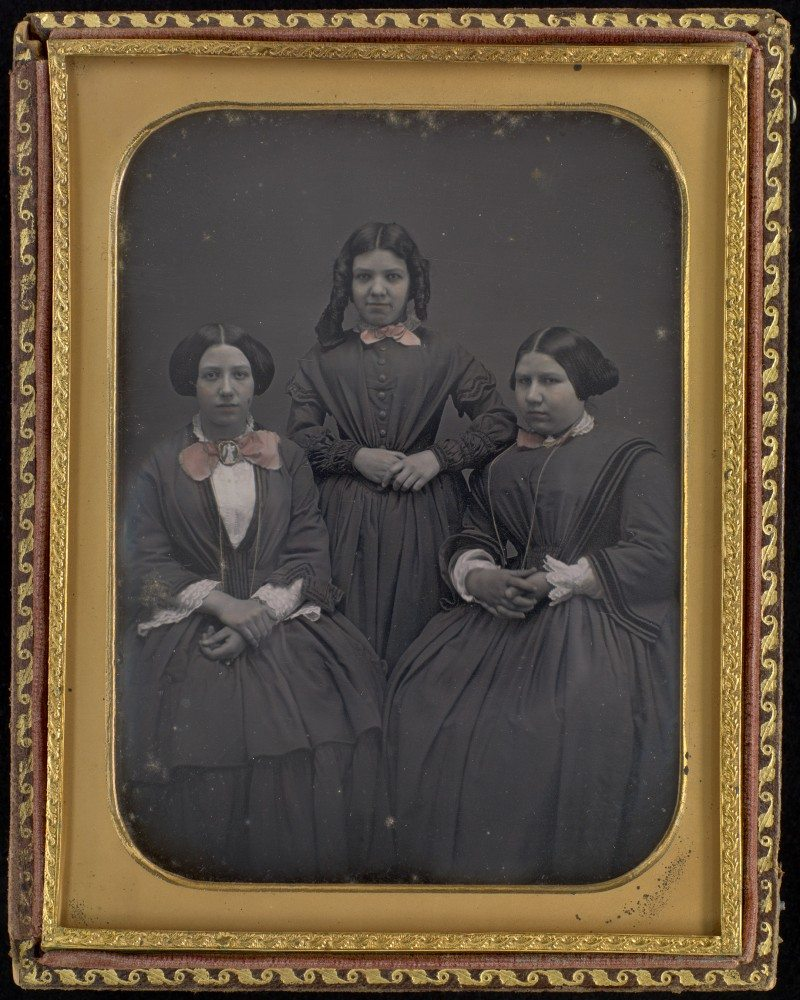 Unknown photographer The three ladies of Saint-Ours (Caroline-Virginie, Josephte-Hermine and Henriette-Amélie) c. 1850–1860 daguerreotype Library and Archives Canada, e011154386