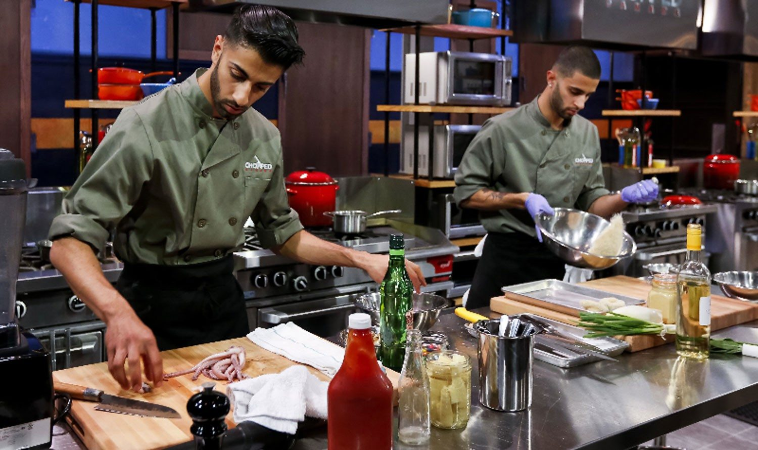 Chef-brothers battle on Chopped