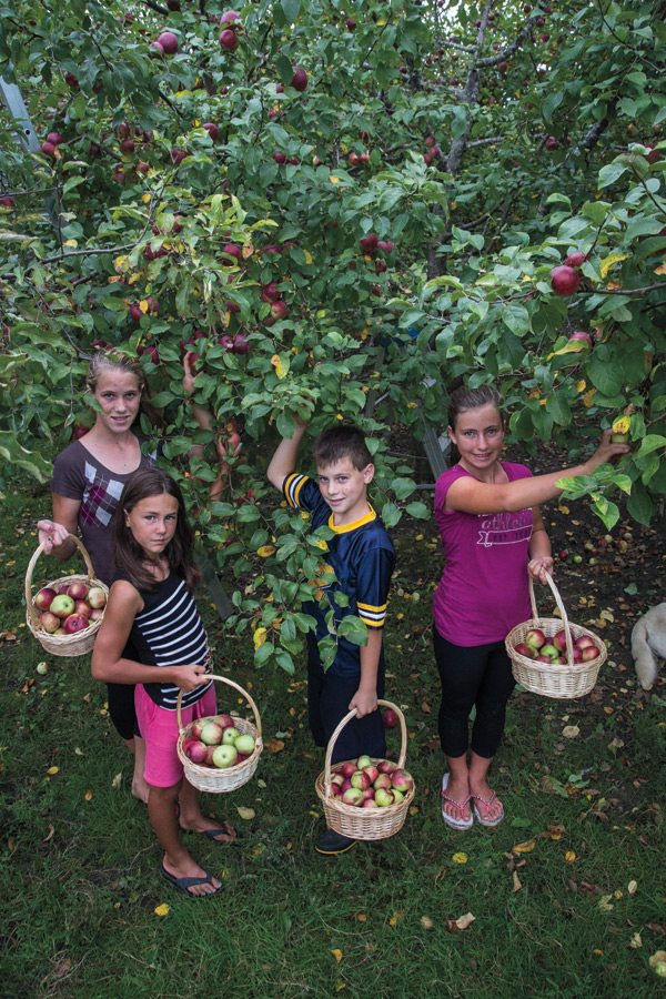 apple-Dagenais-kids-Photo by David Trattles