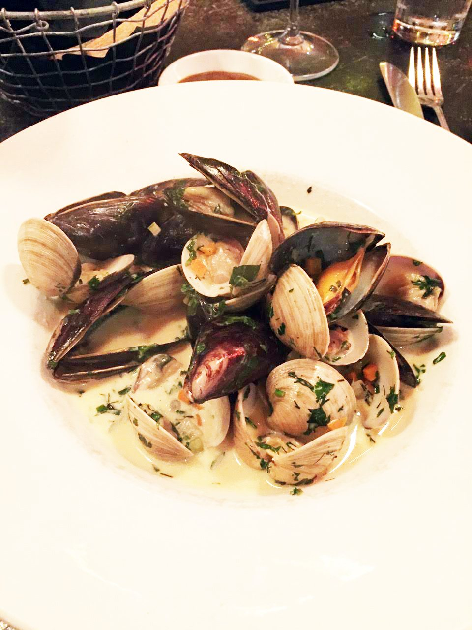 Das Lokal's bowl of mussels and clams