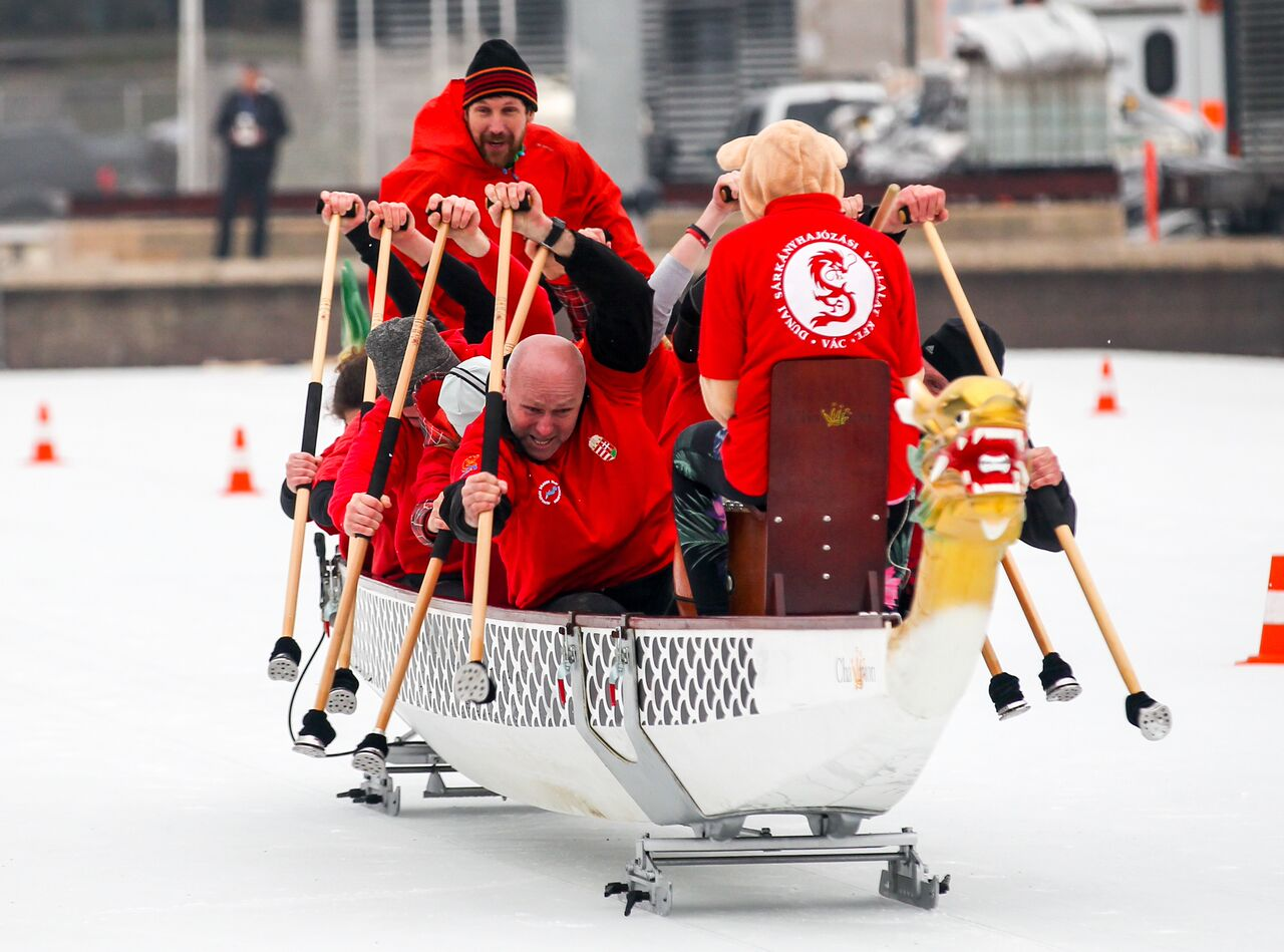 Ottawa Ice Dragon Boat Festival. Photos by Canadian Heritage and Ottawa Tourism